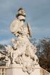 skulptur an der gloriette in schloss schönbrunn