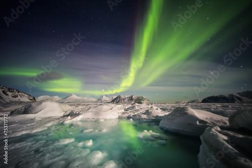 Unusual Arctic winter landscape - Spitsbergen, Svalbard - 75371772