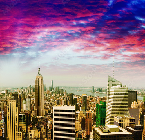 Awesome aerial view of Midtown Manhattan against sunset sky - 75371781