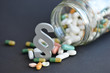 Leinwanddruck Bild - Arzneimittelrecht, Paragraph, Medikamente, Arzneimittelhaftung