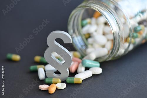 Leinwanddruck Bild Arzneimittelrecht, Paragraph, Medikamente, Arzneimittelhaftung