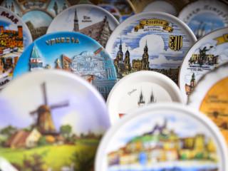 souvenir plates on the table
