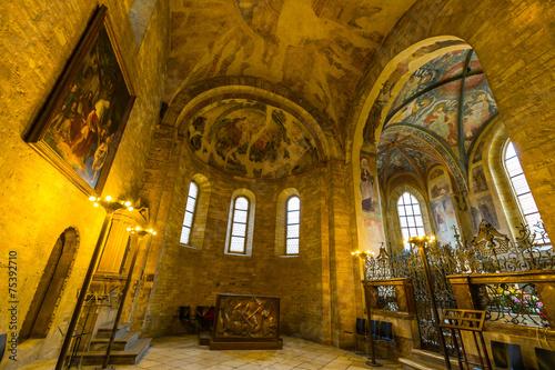 Staande foto Praag Interieur Basilika Prague Castle