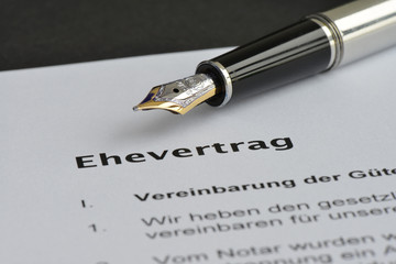 Ehevertrag, Unterschrift, Notar, Heirat, Gütertrennung