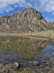 Pico y laguna Las Verdes