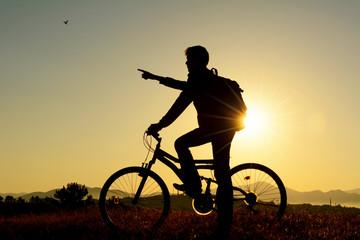güneş doğa ve bisiklet