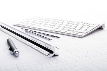 Maßstab Kugelschreiber Tastatur