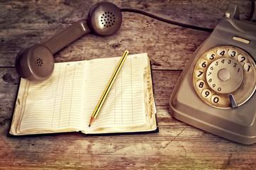 telefono e agenda del passato