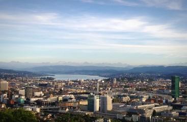 Zürich mit Bergpanorama