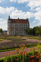 Schloss Güstrow mit Park