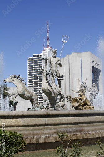 Fotobehang Fontaine neptune Fountain - Monterrey city center