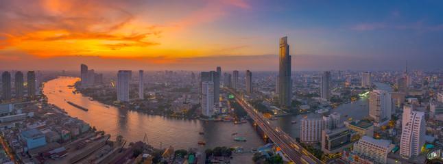 Sky burst at Chao Phraya river curve