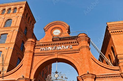 Zdjęcia na płótnie, fototapety na wymiar, obrazy na ścianę : Manufactura shopping and leisure complex in Lodz, Poland