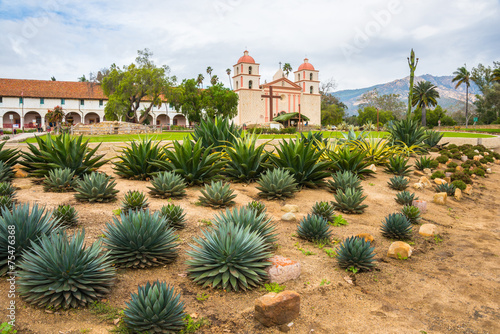 Leinwanddruck Bild Old Spanish Mission Santa Barbara California Exterior