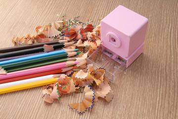 sharpening color pencil
