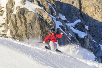 dynamisch skifahren im Gelände