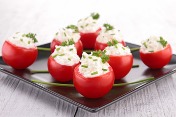 tomato and cheese cream
