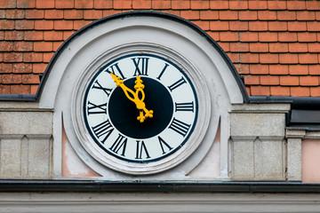 Uhr am Rathaus