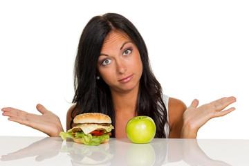 Entscheidung zwischen Hamburger und Apfel