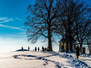 Kleine Kapelle im Winter in Bayern