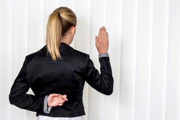 Frau macht Falschaussage