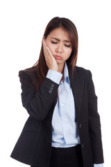 Young Asian businesswoman got toothache