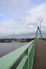 Severinsbrücke, pont à haubans, Cologne