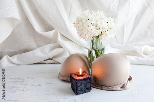 Leinwandbild Motiv Bra, thong and lingerie with white flowers