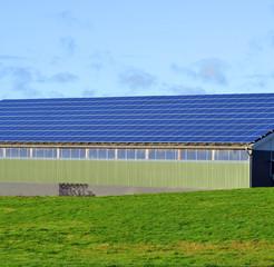 Solardach auf einer Halle