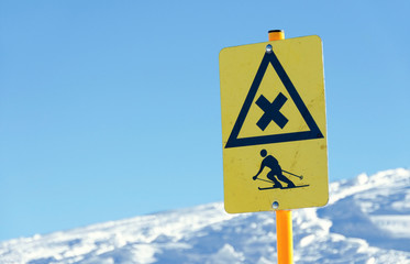 ski sign danger