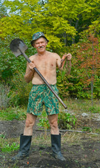 Man with spade and carrot 5