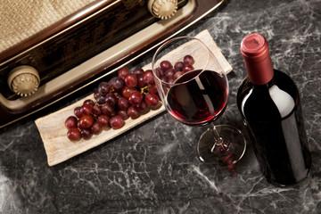 Weingenuss und Radiohören