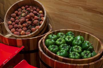Peperoni verdi in vendita  in un mercato .