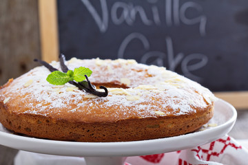 Vanilla and almond cake on a stand