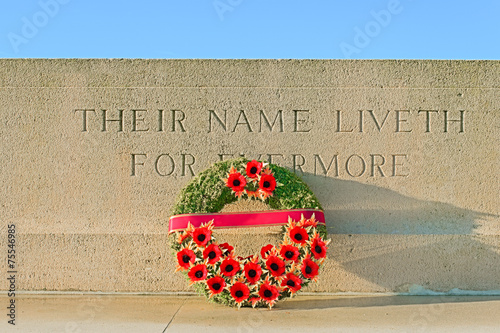 canvas print picture monument world war one with wreath of poppies