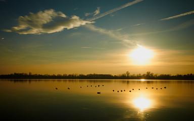 stagno al tramonto