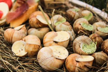 Stuffed snails with fillings