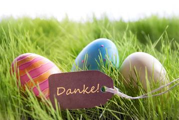 Ostern Hintergrund mit Bunten Ostereiern und Text Danke