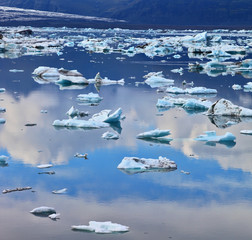 Transparent  ice floes