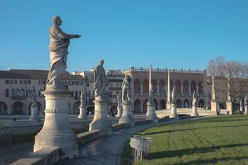Prato della Valle, statue
