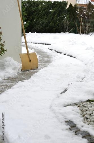 Schnee räumen - 75562192