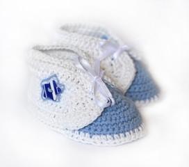 white crochet baby booties