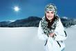 canvas print picture - winterszene mit junger frau