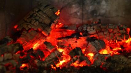 4k Wood burn timelapse