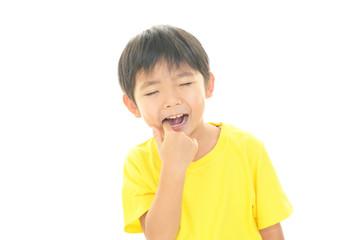虫歯の男の子