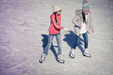 Image of group of children on the ice