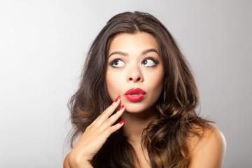 Frau mit grossem Mund