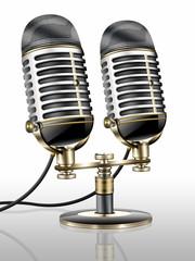 Altes Mikrofon - Paar, Nostalgie freigestellt