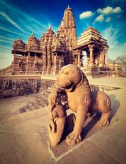King and lion statue, Kandariya Mahadev temple