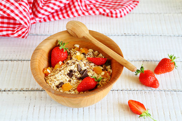 granola with strawberries and chocolate chips